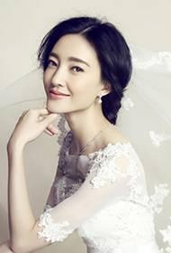 王丽坤唯美婚纱写真 优雅笑颜女神范