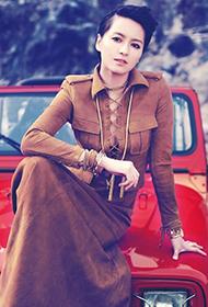 人气女歌手梁咏琪尽显复古魅力之美