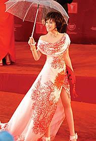 不老女神刘晓庆优雅百变造型