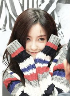 韩国女子天团Tara朴孝敏签名会卖萌自拍样样来