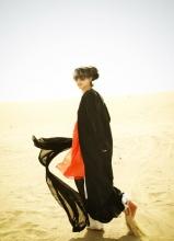 张静初沙漠写真 性感又透着大气