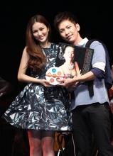 张智成台北演唱会获谢安琪撑场献唱新歌