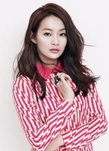 韩星申敏儿时尚写真 干练妩媚万人迷