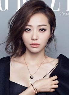 张靓颖登杂志封面 尽显女性优雅魅力