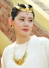 秋瓷炫舞乐传奇剧照 与林更新成土豪搭档