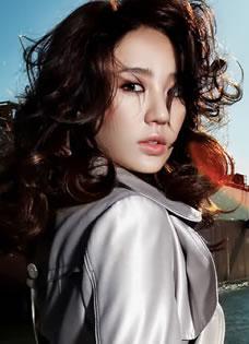 时尚达人尹恩惠气质写真 演绎完美雅致御姐范