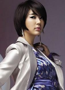 百变时尚女郎尹恩惠写真 OL气质散发熟女魅力