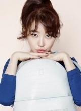 尹恩惠时尚写真 甜美可爱演绎多重造型