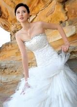 张萌悉尼唯美婚纱写真 高贵优雅女人味