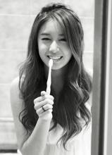 朴智妍欧洲时尚黑白杂志写真