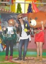 罗志祥狮子吼香港签售火爆 与粉丝提前过圣诞