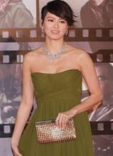 第32届香港电影金像奖 梁咏琪亮相红毯