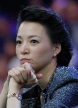 范瑋琪2012演唱會高雅女王裝扮