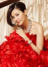 蒙嘉慧杂志写真 亮丽婚纱更迷人