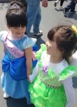李湘晒女儿王诗龄迪士尼游玩照