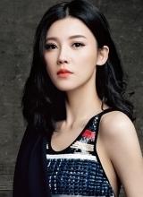 杨子姗时尚写真曝光 亮片背心秀性感