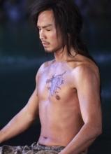 钟汉良天龙八部剧照 乔峰半裸出镜秀肌肉
