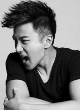 刘恺威或质感绅士或活泼搞怪写真 演绎多面好男儿