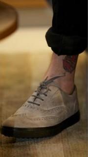 邓超脚踝内侧纹身