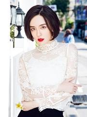 吕佳容曝蕾丝透视写真 红唇妩媚撩人