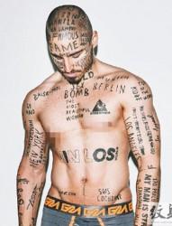 加拿大男模Vin Los 的另类字母纹身秀