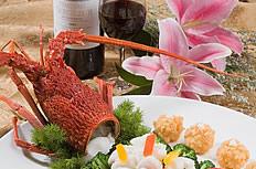 澳洲龙虾与红军酒图片