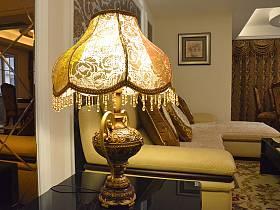 混搭客厅台灯装修案例