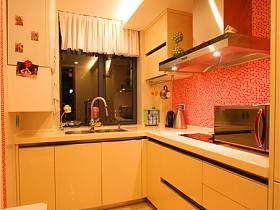 现代厨房三室两厅两卫设计案例
