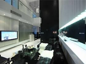 古典客厅跃层电视背景墙设计案例展示