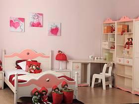 现代简约儿童房收纳装修案例