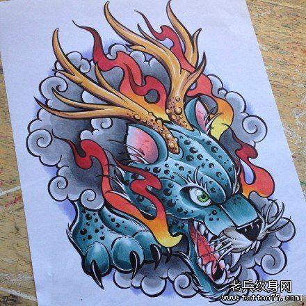 时尚很帅的一款豹头纹身图案