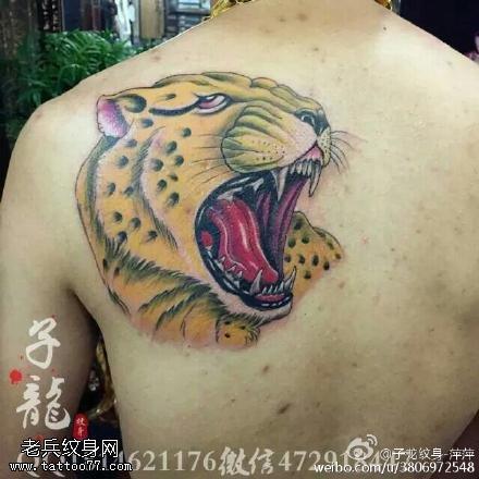 肩膀嘎巴拉豹子纹身图案
