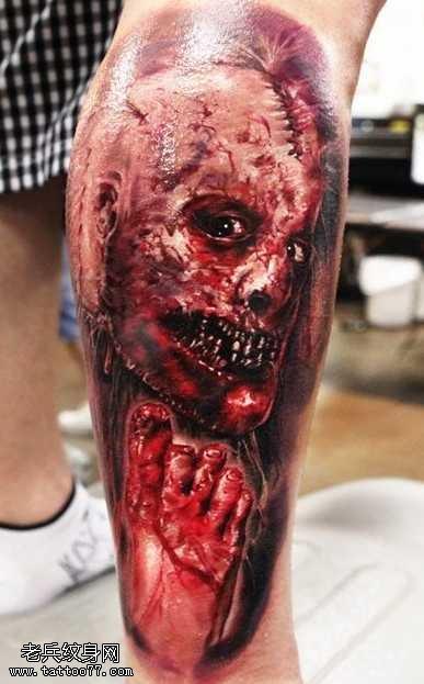 腿部恐怖的恶魔纹身图案