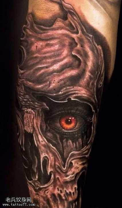 腿部恶魔纹身图案
