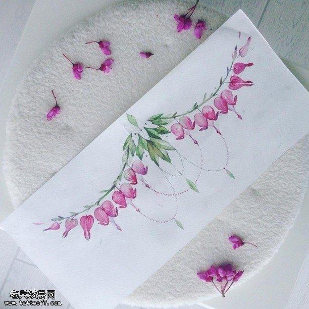 手稿清新的花邊紋身圖案