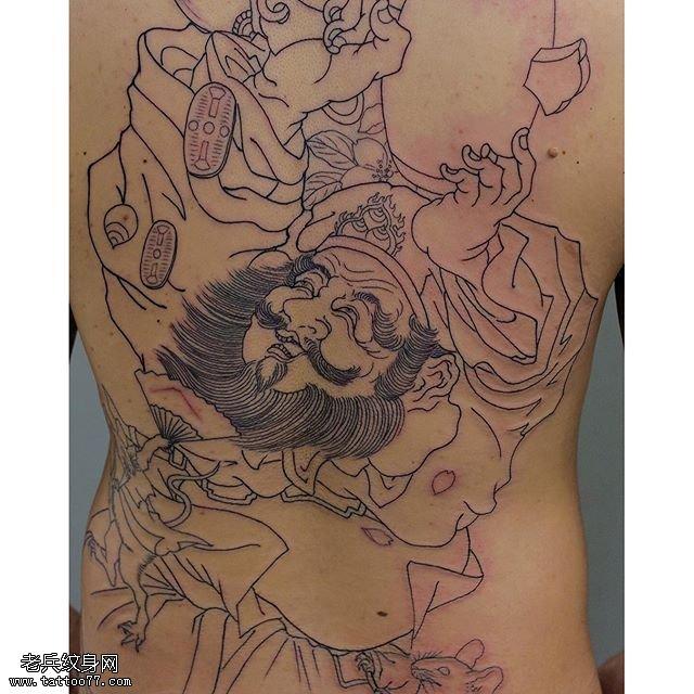 大臂線條鐘馗紋身圖案