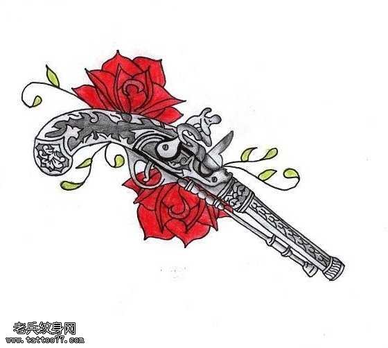 手稿手槍玫瑰紋身圖案