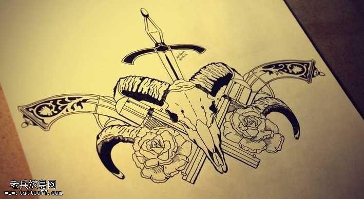 手槍羚羊匕首玫瑰花紋身圖案
