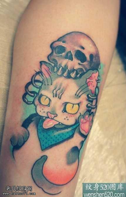 腿部彩色猫咪纹身图案