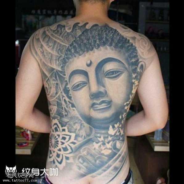 背部佛纹身图案