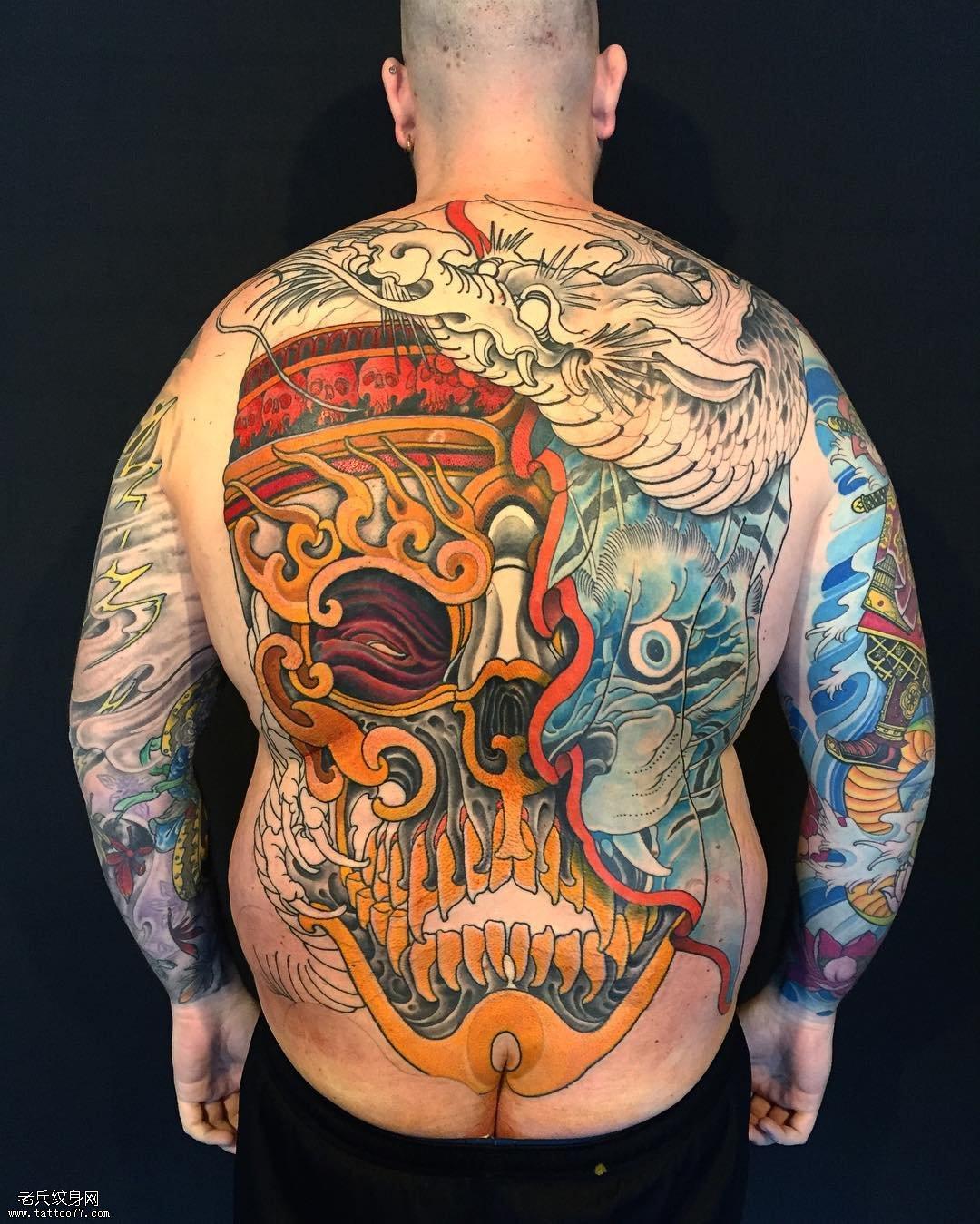 男士满背彩绘平安彩票开奖网嘎巴拉纹身图案