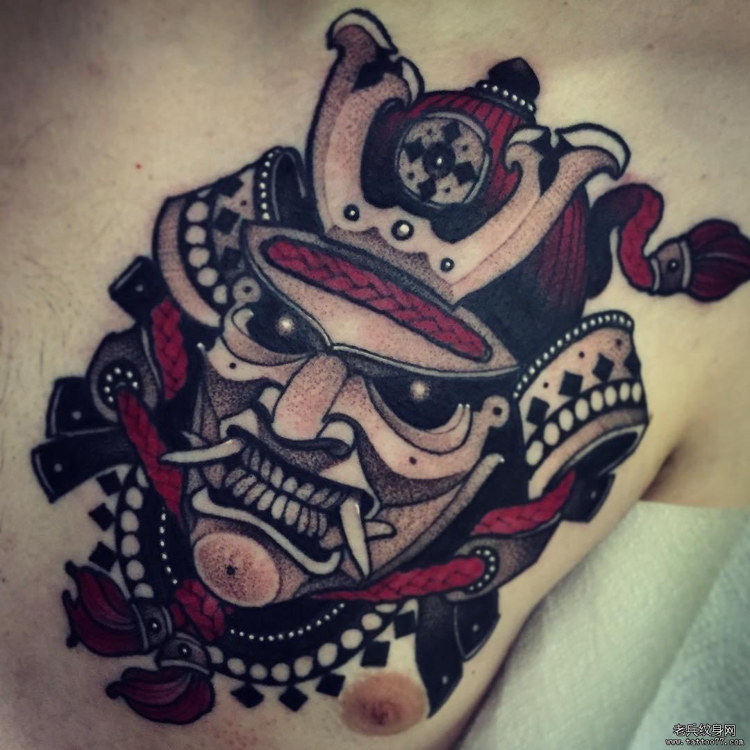 胸部新传统武士头像纹身图案