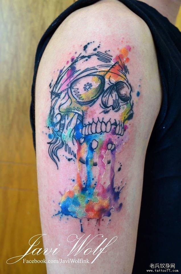 大臂彩色泼墨嘎巴拉骷髅纹身图案