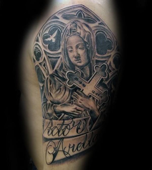 黑灰纪念女人十字架和字母纹身图案