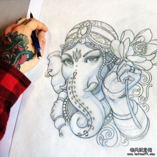 传统莲花象神纹身图案手稿