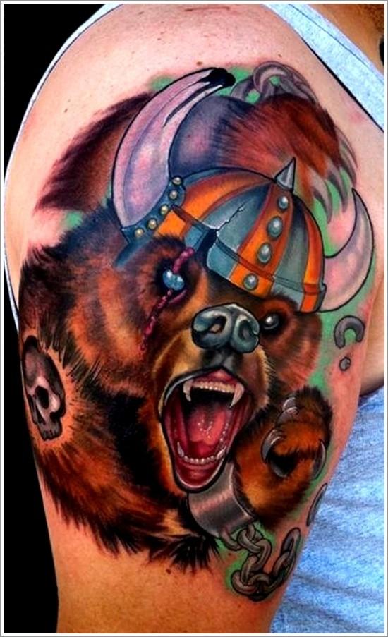 大臂熊与维京头盔彩色纹身图案