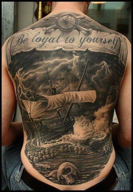 滿背海面帆船骷髏和字母紋身圖案