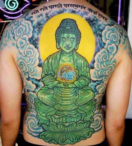 整个背部绿色的佛像纹身图案