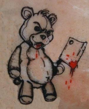 邪惡泰迪熊和斧頭紋身圖案