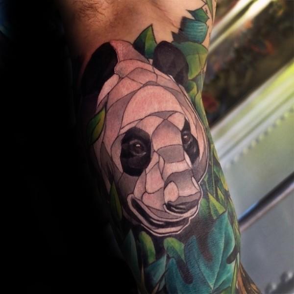 插画风格大臂彩色熊猫头像纹身图案
